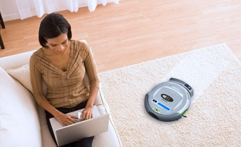 Робот-пылесос –  отличный помощник по хозяйству