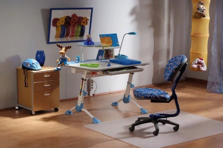 Как выбрать стул для школьника, регулируемый по высоте