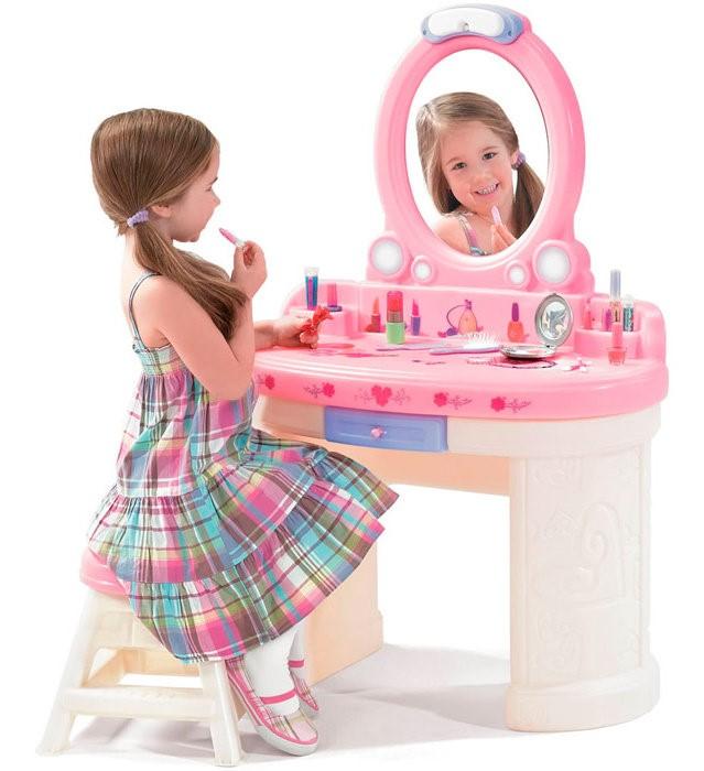 Как подобрать туалетный столик для девочки