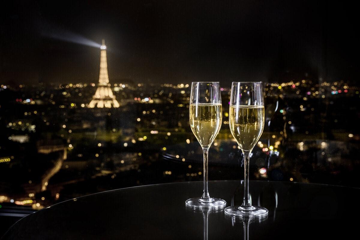 Бокал шампанского… Что выбрать, чтобы праздник точно удался