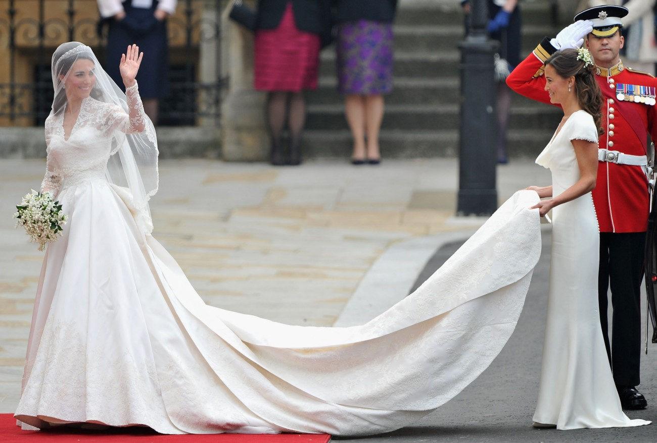 Мечта женщин: 10 дорогих платьев мира