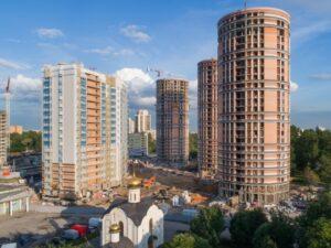 Как найти квартиру в новостройке около станции метро Приморская?