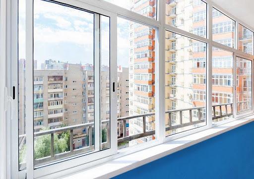 Выбор окон для остекления жилого пространства
