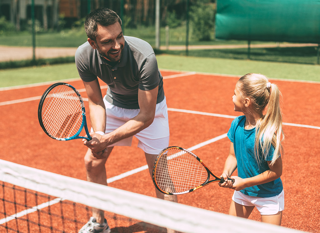 С какого возраста оптимально начать обучение теннису?
