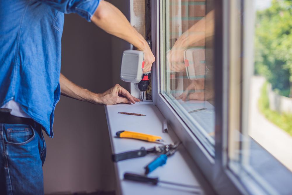 Когда нужен ремонт пластиковых окон?