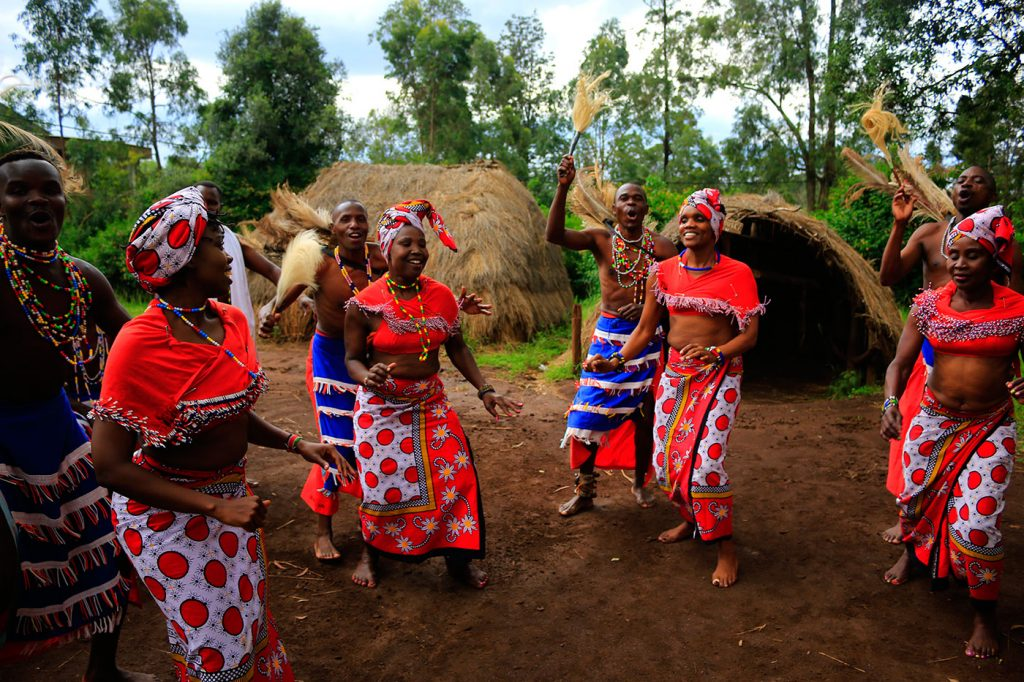 Как найти информацию о местах и развлечениях в Кении?