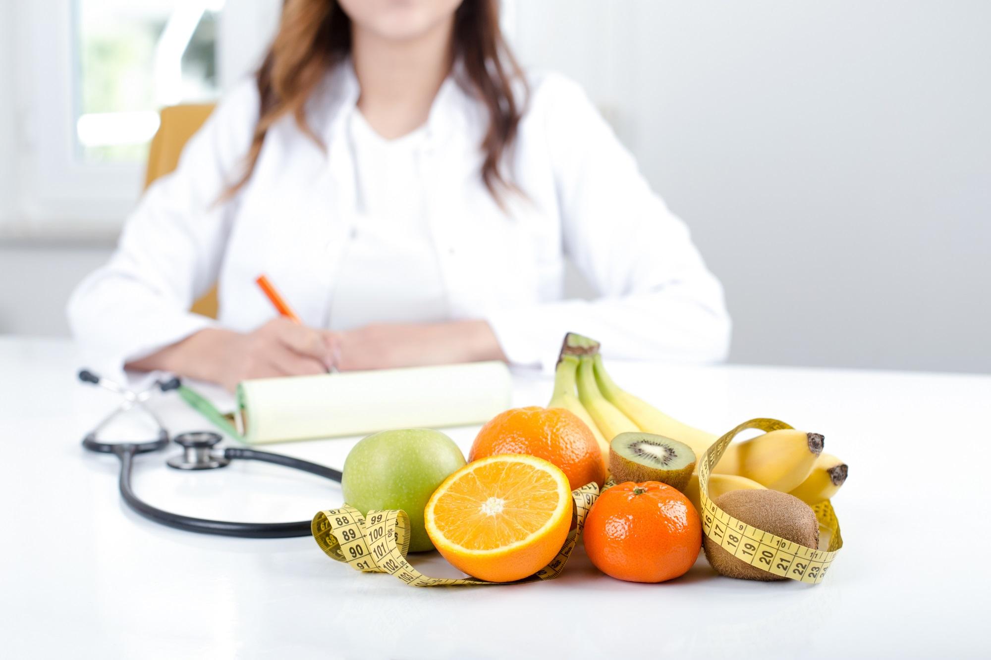 Когда нужна консультация врача диетолога?